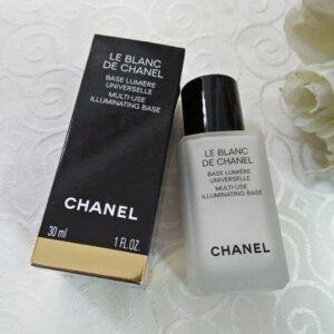 Kem-lót-Le-Blanc-De-Chanel-Base-Lumière-Universelle